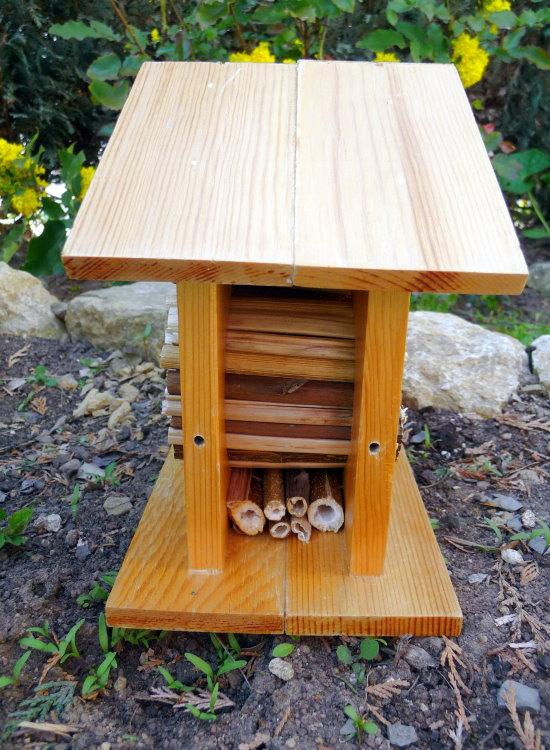 nisthilfen f r wildbienen selber bauen bohrschablone bs h1 tiere tierwelt green24 hilfe. Black Bedroom Furniture Sets. Home Design Ideas